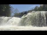 SUP mag Original: Spencer Lacy testet die Grenzen von Fluss-SUP